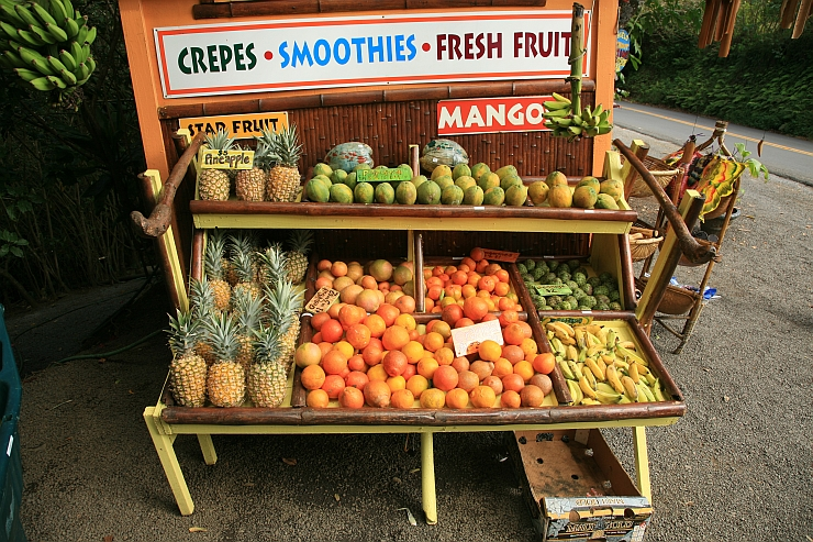 Roadside fruit stands, one of the many attractions on Maui that you can find while driving.